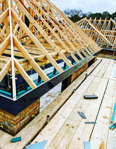 RNR Carpentry - Timberframe Construction on progress